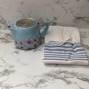 Alfred Home Kitchen teapot and tea towel set NWT